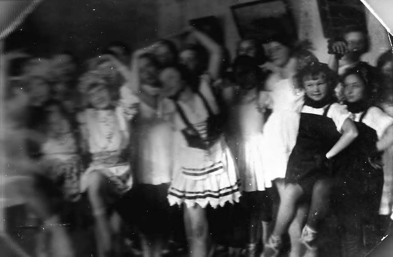 Танец Светлячок балетный кружок 1937г