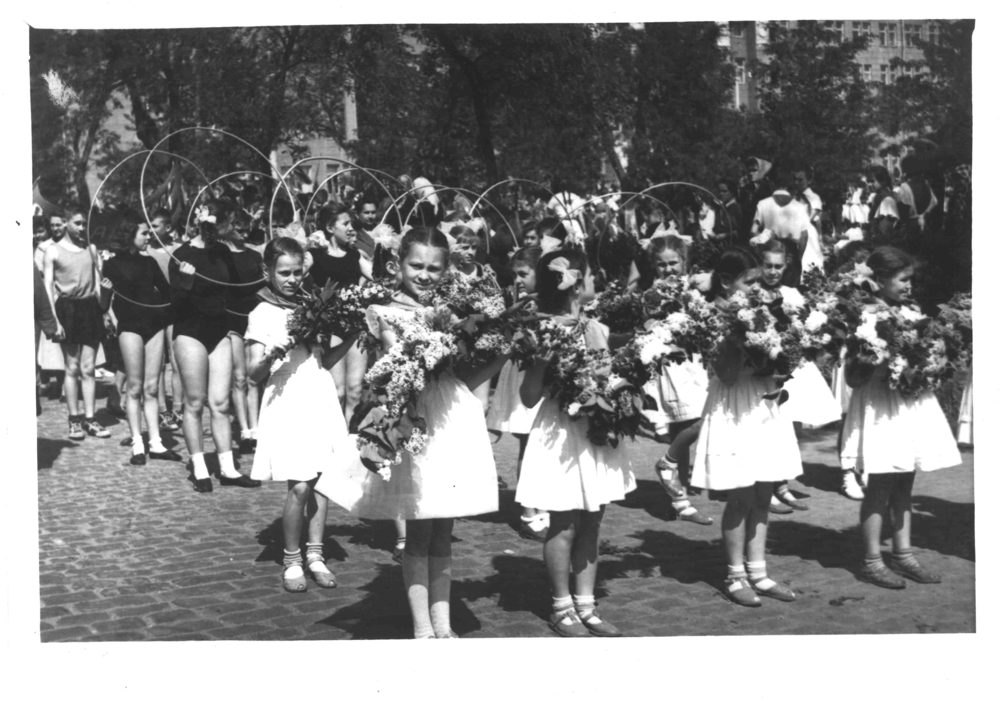 Парад в честь 40летия Пионерии