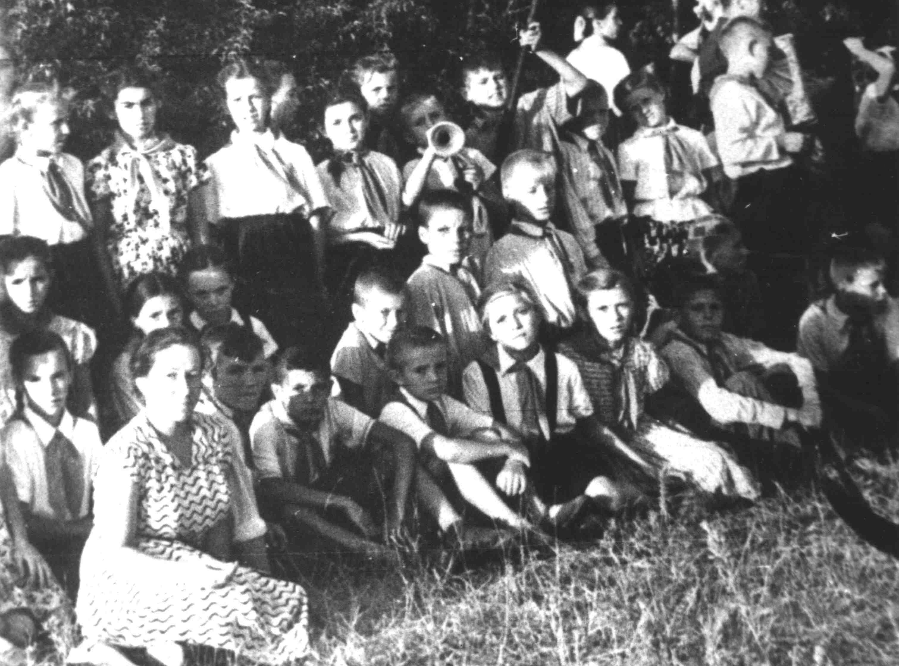 На районном слете пионеров, 1956 ( пионе