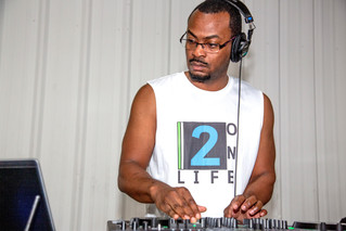 BEST DJ EVER!!