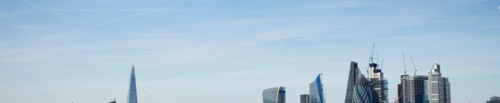 Heli in flight over London skyline.jpg