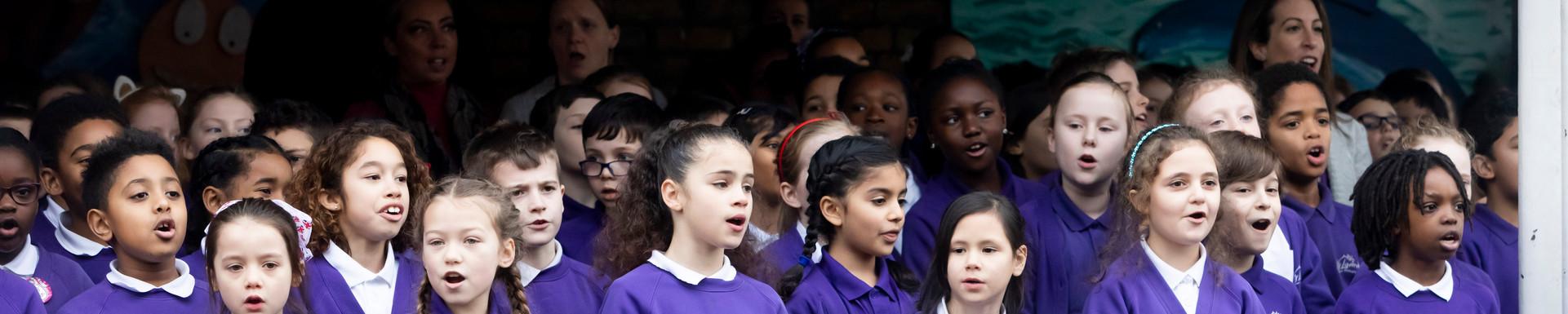 Lavender School Enfield, singing childre