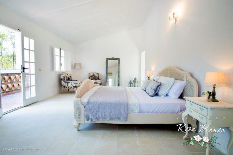 rosa blanca bedroom.jpg