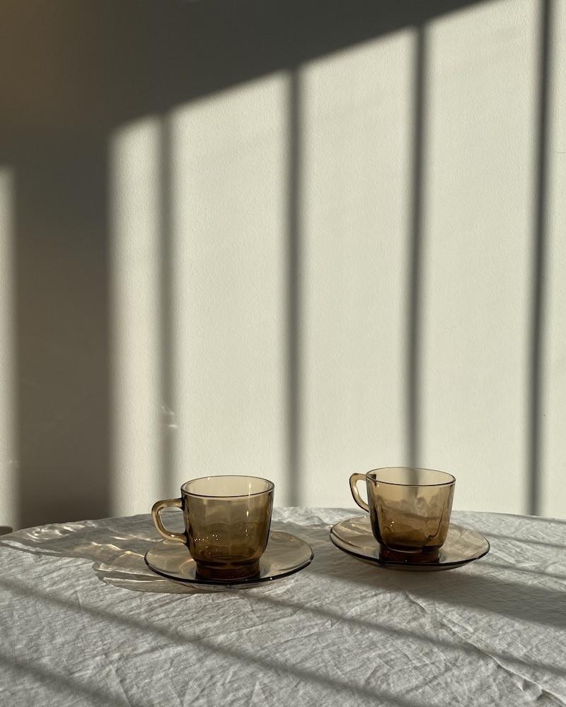 Vintage tea cups via Abi's new brand, @arvastories