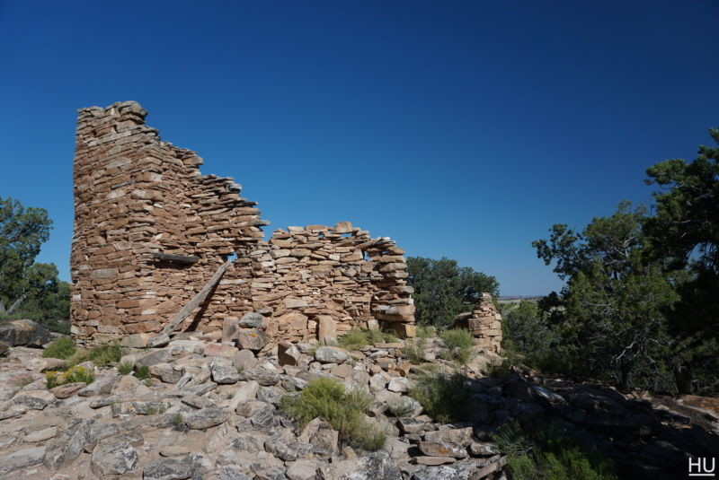 It's odd to come across a 2 story ruin and not see any information on it. We weren't technically in the National Park yet, but I was still expecting to see something about it nearby.