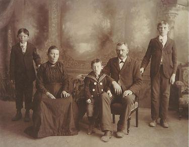 Mathilde & Fritz Neumann Family c. 1903