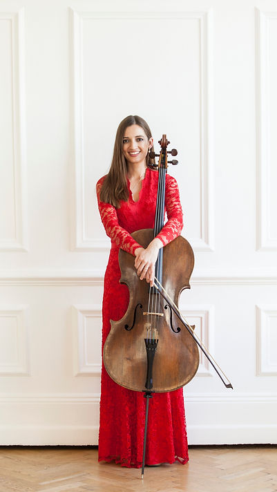 Victoria Simonsen cellist cello player