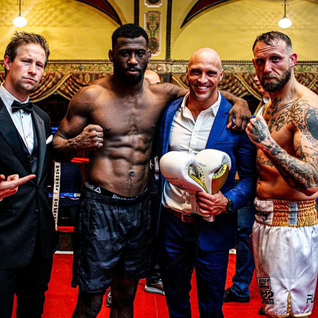 riggs dan boxers 2.jpg
