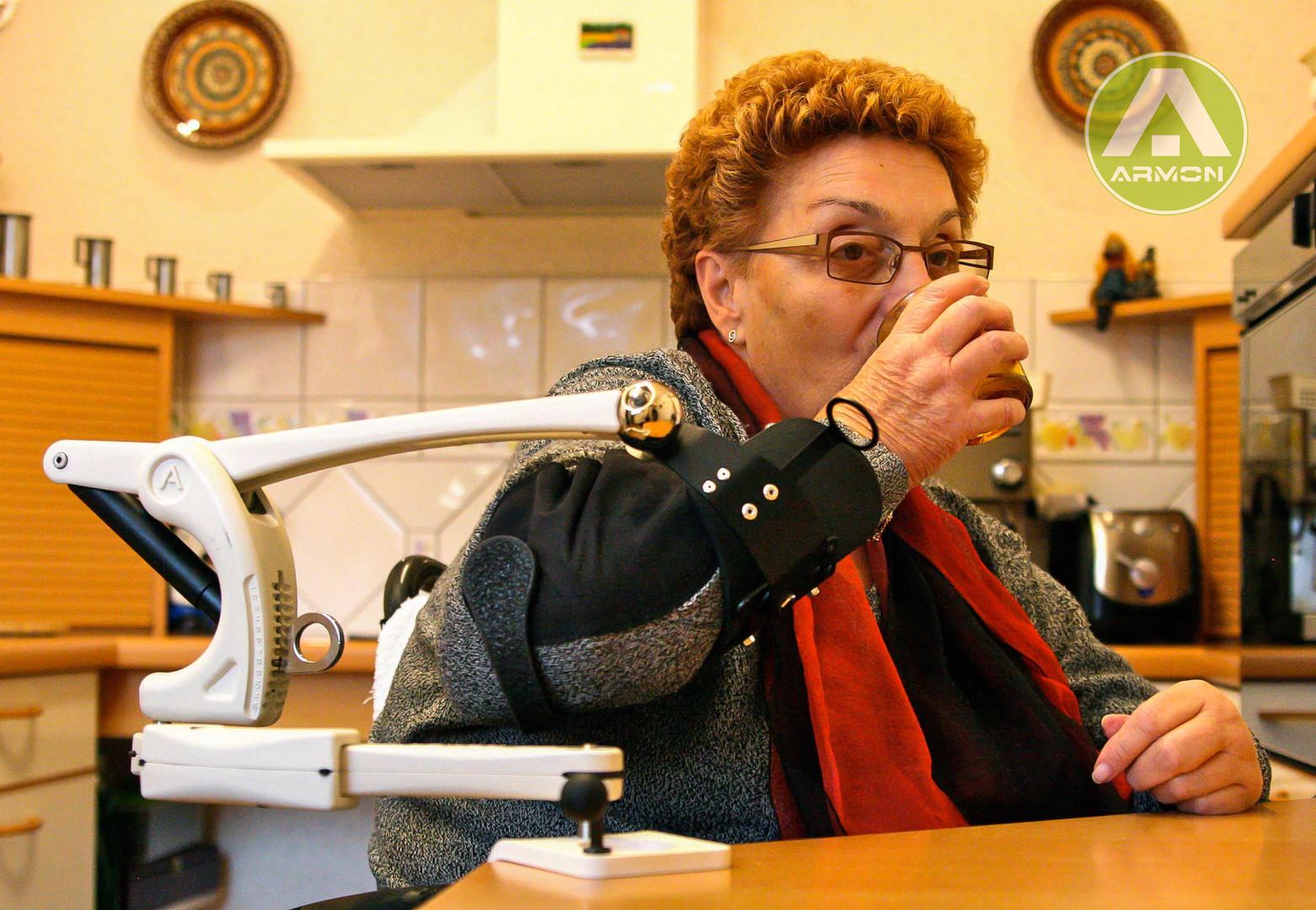 Edero-woman drinking