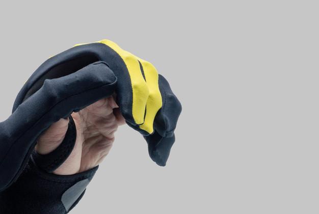 Roceso Glove