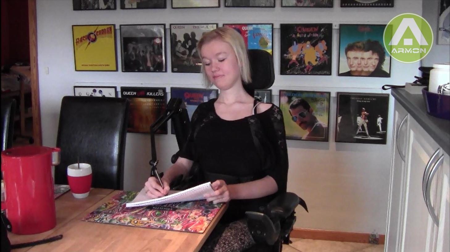 Elemento-woman writing