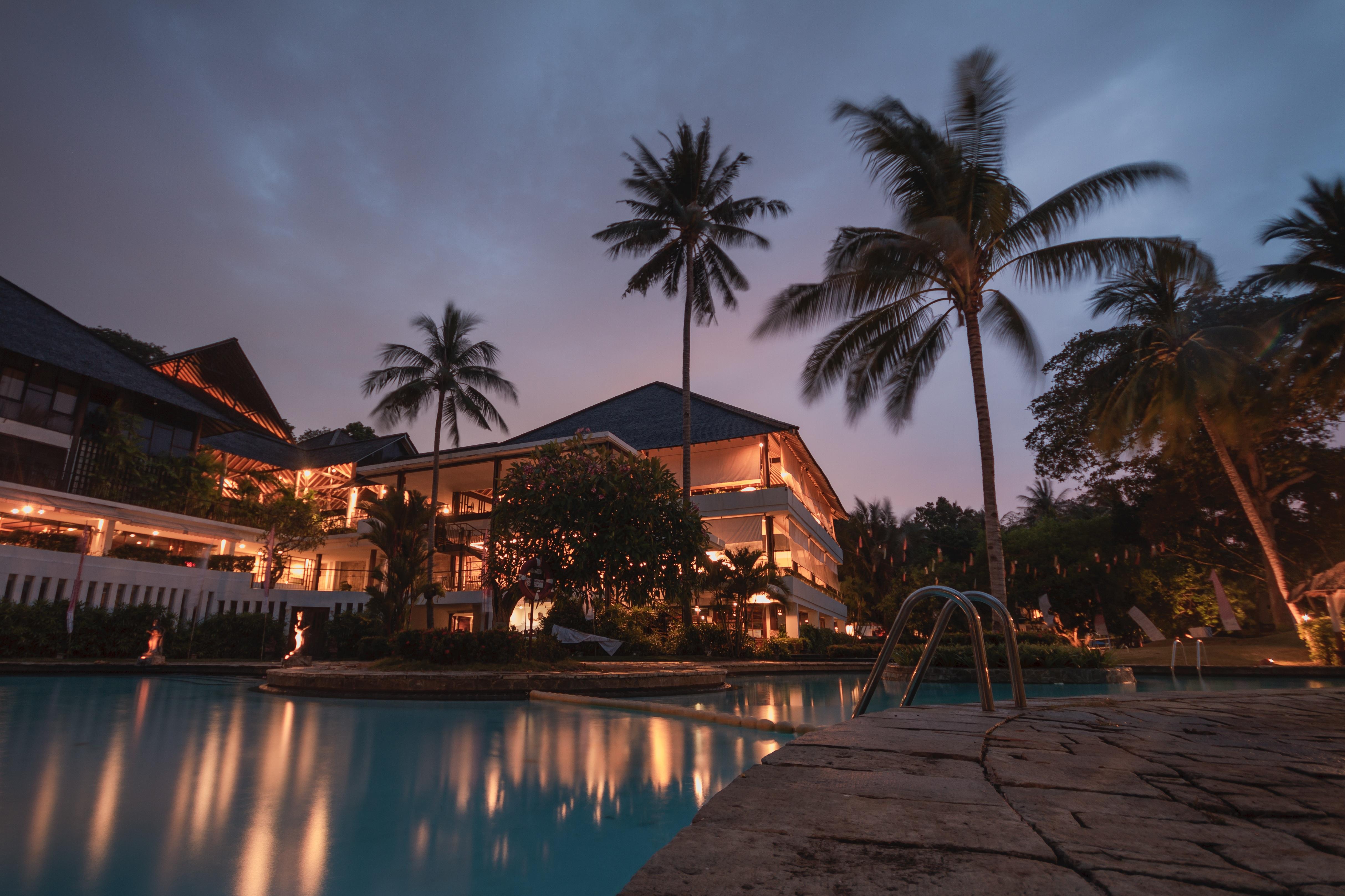 resort2.jpeg