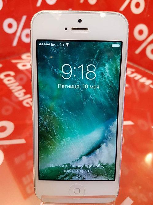 Apple iPhone 5 16Gb MD298B/A White