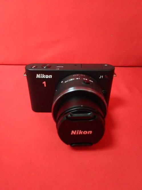 Nikon 1 J1 Kit 10-30 vr Black