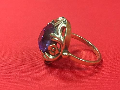 Кольцо из золота 583 пробы с камнем (6.25 гр.)