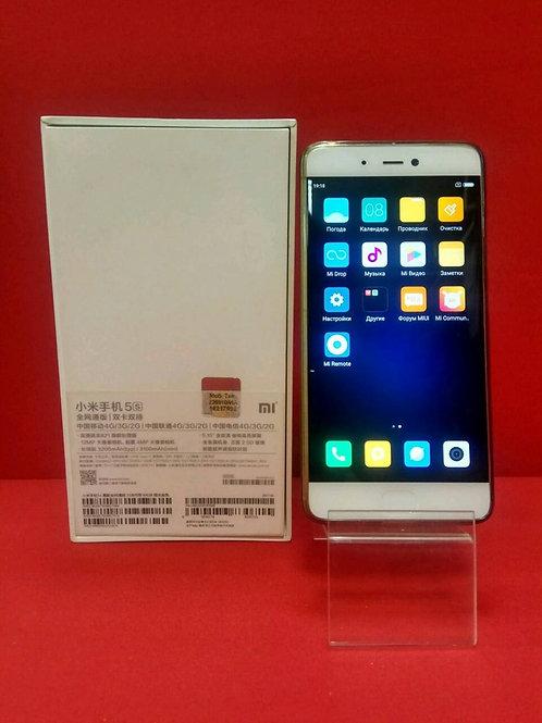 Xiaomi Mi5S 64 Гб/3 Гб озу White / Комплект