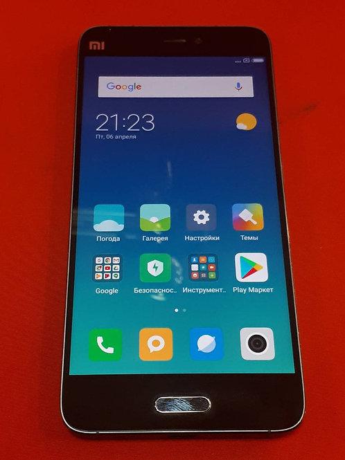 Xiaomi Mi5 64GB + чехол