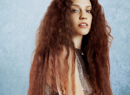 JESS GLYNNE SHARES INTIMATE VIDEO FOR SINGLE 'THURSDAY' CO-PENNED WITH ED SHEERAN!