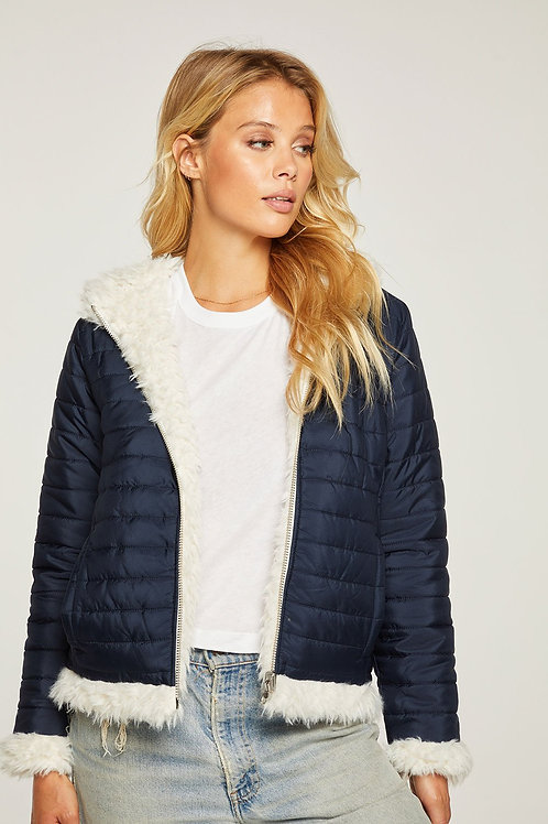REVERSIBLE QUILTED FAUX FUR ZIP UP HOODED PUFFER JACKET