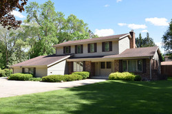 12241 W Luther Avenue, Hales Corners