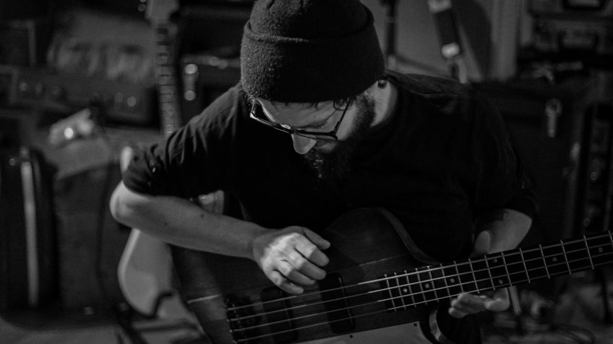 Gilles-bass3.jpg