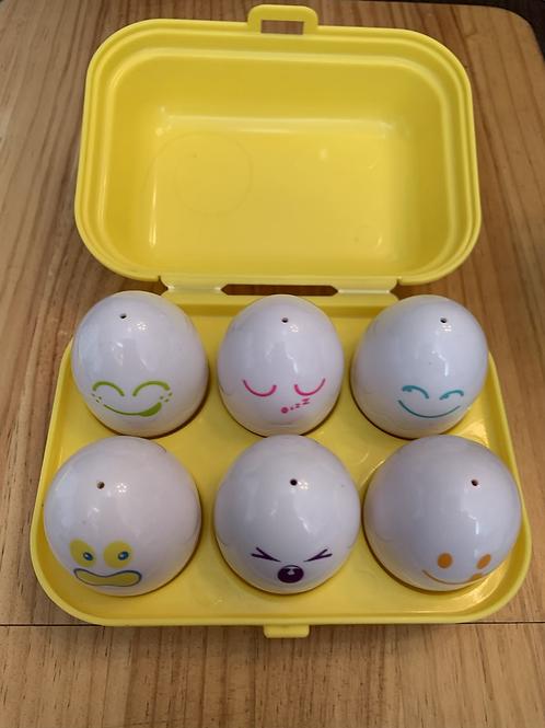 Shape sorter squeeking eggs Toy