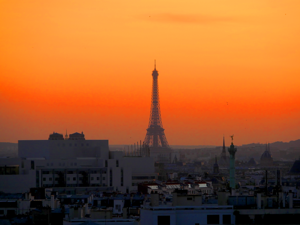 Telephoto picture of Eiffel Tower