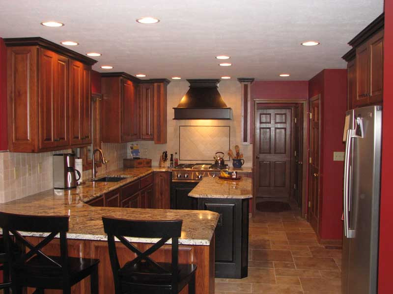 Cory kitchen 2.jpg