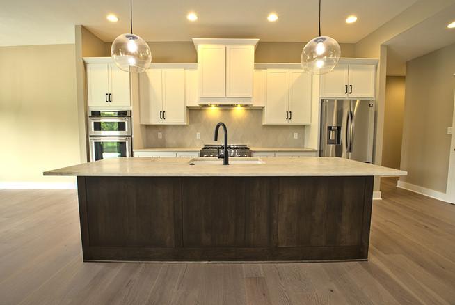 kitchen centered.jpg