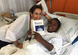 """Buba y Alicia leyendo """"El Principito"""""""