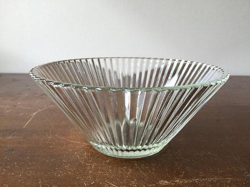 プレスガラス鉢シノギ