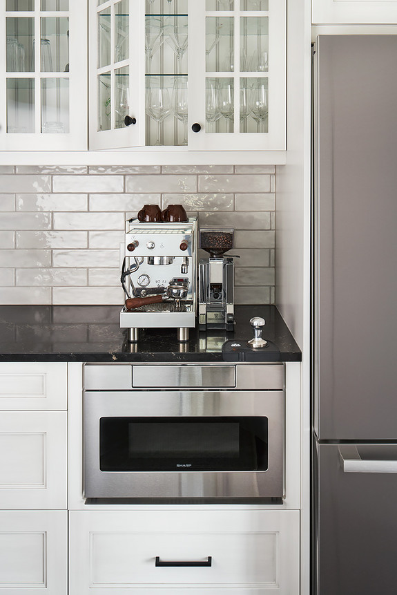 KHorkoff-Photo_Hillside_HD_Kitchen_1414.