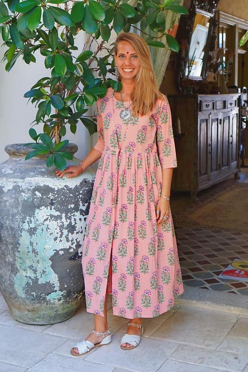 Платье розовое с цветочным принтом. S,M.
