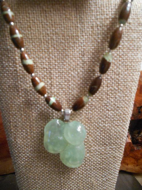 Prehnite and Chrysoprase Necklace