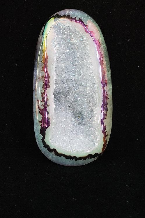 Agate with druzy quartz