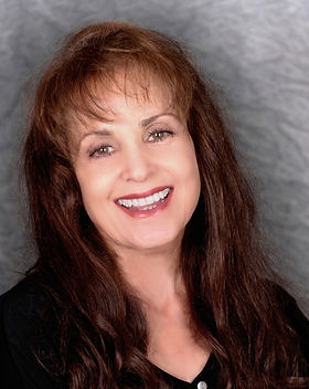 Suzanne Patterson - SFX Makeup HiRes Headshot.jpg
