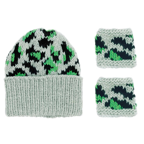 Rico Super Chunky Leo Hat and Wristwarmers Kit in Green