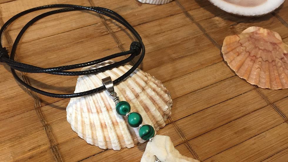 Collier pierre naturelle malachite et coquillage