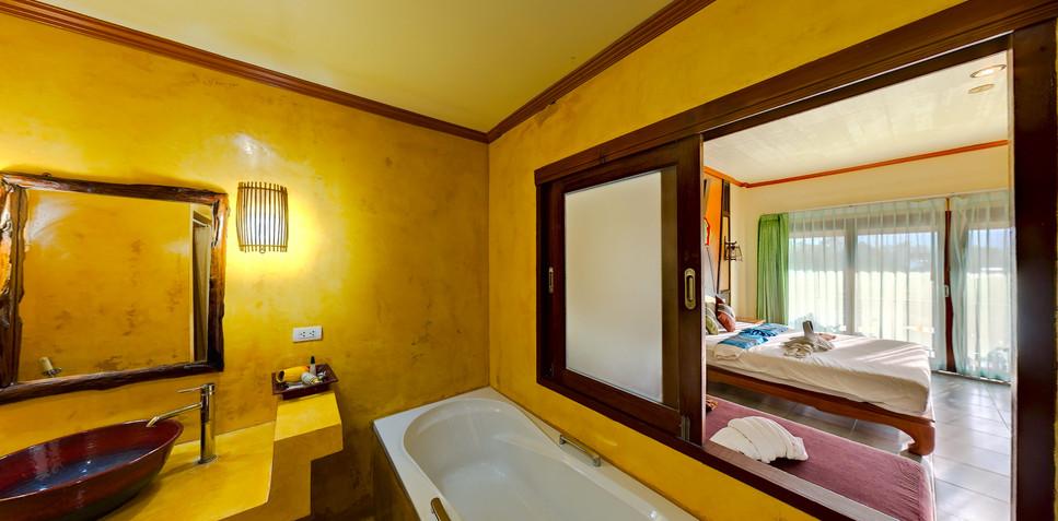 Deluxe room's bathroom 3.jpg