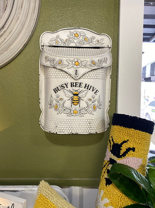 busy bee mailbox