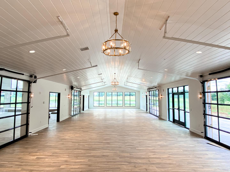 Bluegrass Patio Room