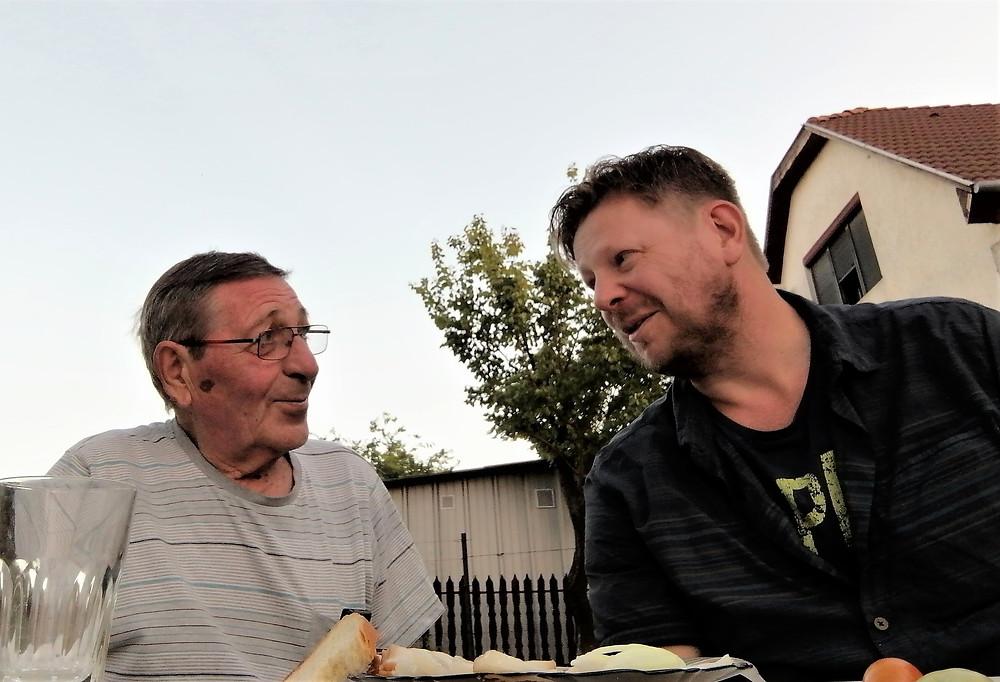 Őry Lászlóval riportkészítés közben Rozsrétszőlőn