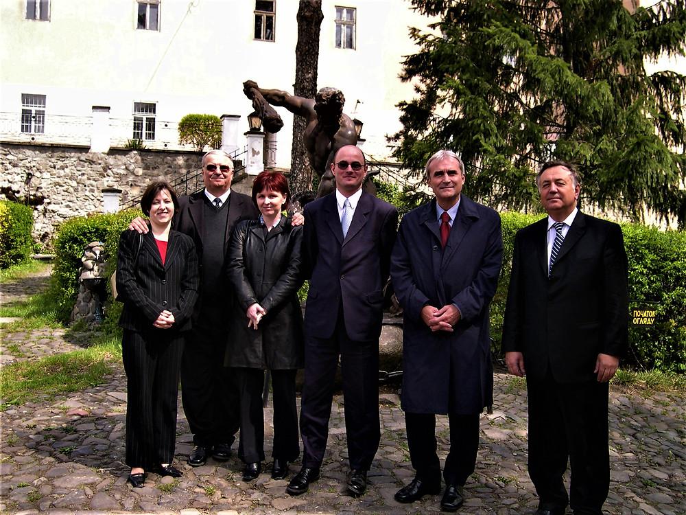 Egy ungvári konferencián Pál Béla turisztikai államtitkárral, Ungvári vár