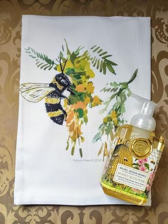 Honeysuckle Bee with Honey & Clover Foaming Hand Soap