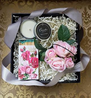 Pretty in Pink Fresh Cut Roses Black Box