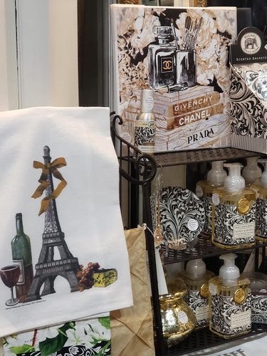Paris Style in Black & White