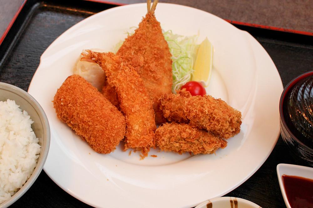 愛鷹路伊豆海、ミックスフライ定食