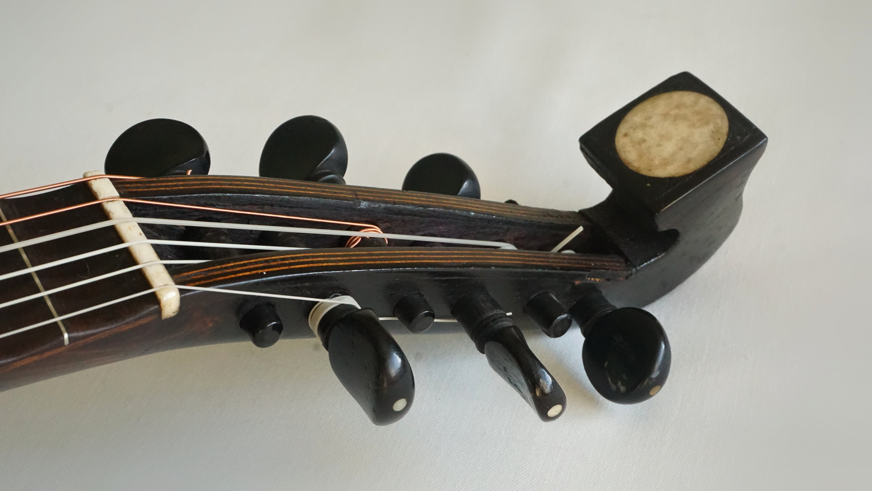 Lombardic Mandolin