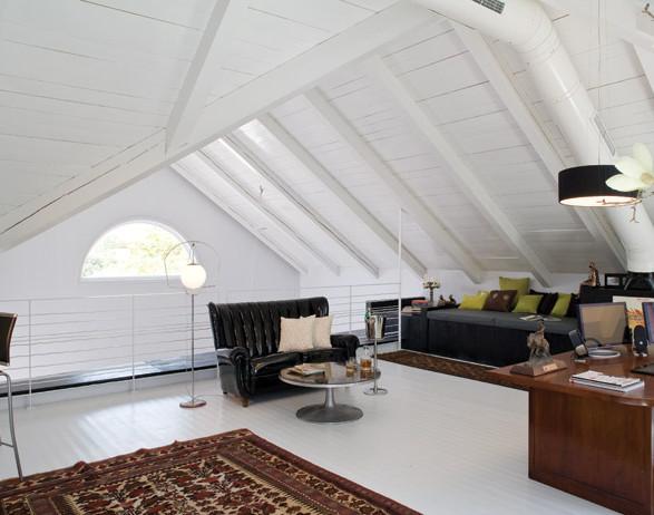 An attic in Neve Yarak