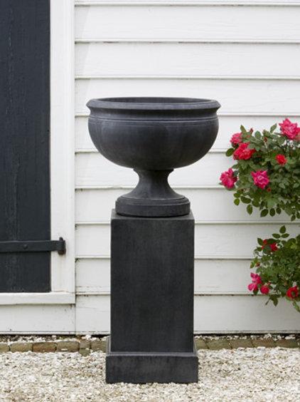 Williamsburg Plantation Urn